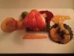 Hummermedaillons, Hummerravioli und Hummerschere mit Romanesco, Kartoffellasagne und Sauce Rouille