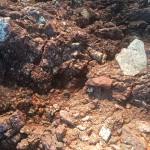 Ein Schnitt durch den Granit-Boden.