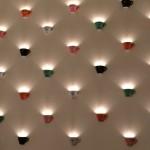 Hoch die Tassen: Passende Wanddeko im Cafe Diglas am Fleischmarkt.